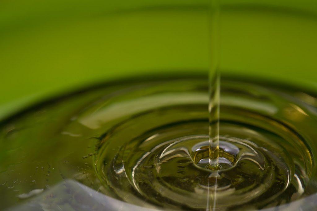 La almazara quaryat Dillar informa sobre los distintos tipos de aceite extistentes. Producción Sostenible y calidad medioambiental